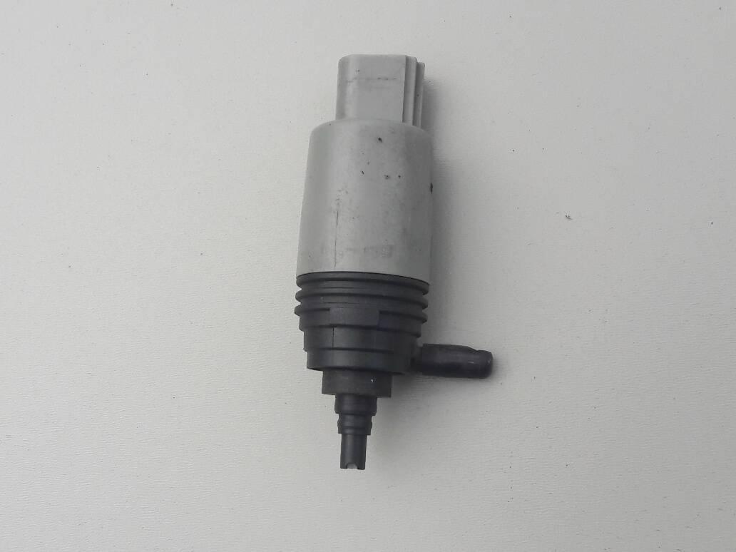 bmw-7-e60-e65-pompa-rurka-zbiorniczka-spryskiwaczy-8377430-01-wlew-ed-car.pl